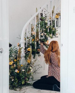 Spring_Wedding_Trends_Floral_Staircase